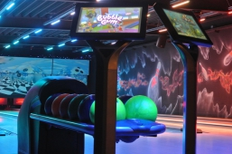 Speed Soccer und Led bowlen Max. 8 pers.